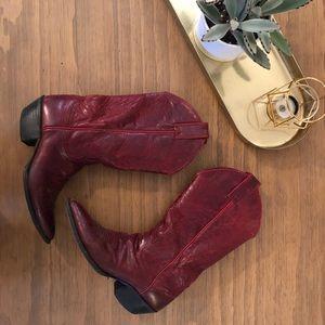 Vintage Justin Cowboy Boots!